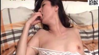 人妻卑猥的接吻與性交~沉溺在小叔舌技的大嫂秘蜜~ 澤村麗子