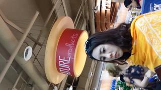 真‧偷拍神人!!在外國的超市也有專業的偷拍大師 2