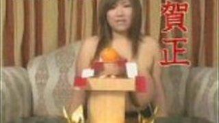 巨乳な日本人のゆかがプールパート1で犯される
