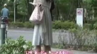 xvideosまとめ: 街で見かけた清楚な感じの素人の人妻をナンパしてホテルでハメ撮り!勝手に中に出したら怒っちゃったけどオカワリされたっす!