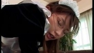 【メイドバック】キレイなHな眼鏡のメイドのバックコスプレプレイエロ動画。【pornhub動画】