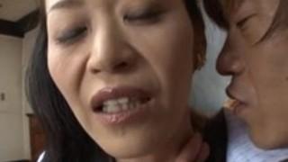 【六十路】熟女ナンパマジで綺麗な還暦に近い美熟女がナンパ師の餌食に!ナンパ師の話術に興奮し身をさらけ出すww