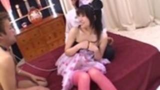 靴下でYukine藤代は、口の中にザーメンを取得します