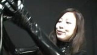 日本のラテックスキャットスーツ87
