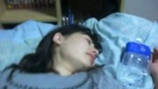 Japaniseホームメイド - 素人カップルが自分のビデオを撮影