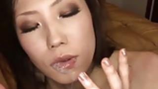セクシーな日本の熟女クソハードコアと彼女にmouthfを取得
