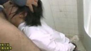 チンポを無理やり咥えさせられのど奥まで突かれるショートヘア女子高生 阿部乃みく