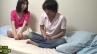 【素人ナンパ】清純系の女子バイトを部屋に連れ込み勝手に盗撮www
