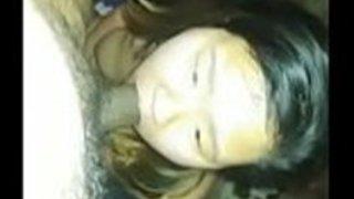 18yo日本の売春婦は吸う方法と深い喉を学ぶ