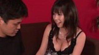 ビッグ・ティット・ヒナ・トキサカ、ジャパニーズ・フェラチオ -  [30JAV.com]