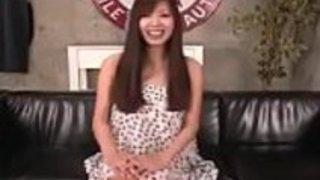 無料の全日本ポルノ:zo.ee/4mPbV  - 愛らしい日本人の熟女はいたずら